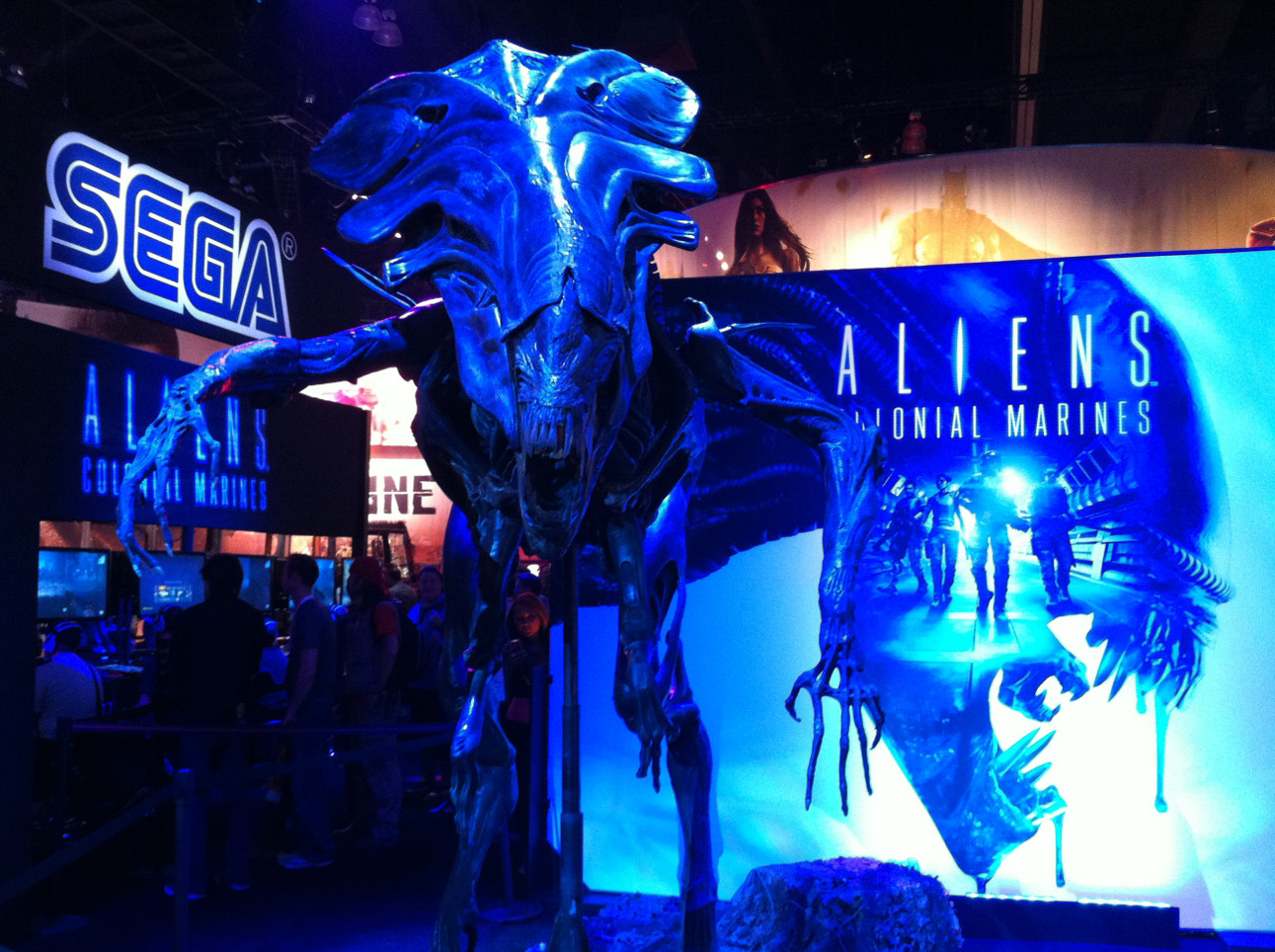 E32012_AlienQueen