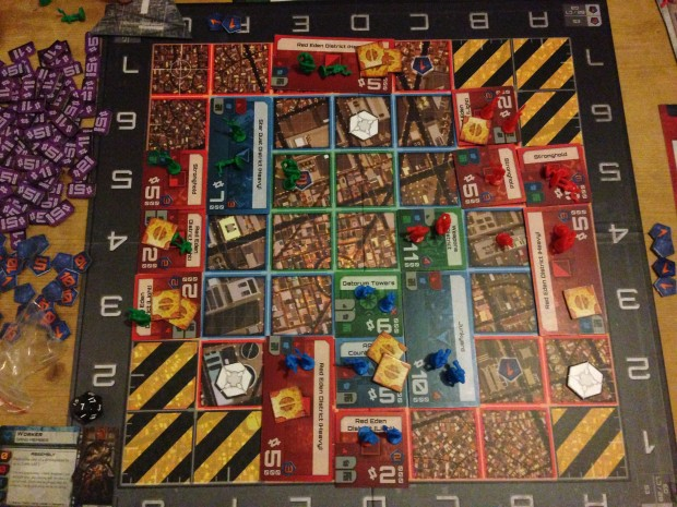 The end of Round 6 saw a splattering of activity and a distinct lack of space starting to appear.